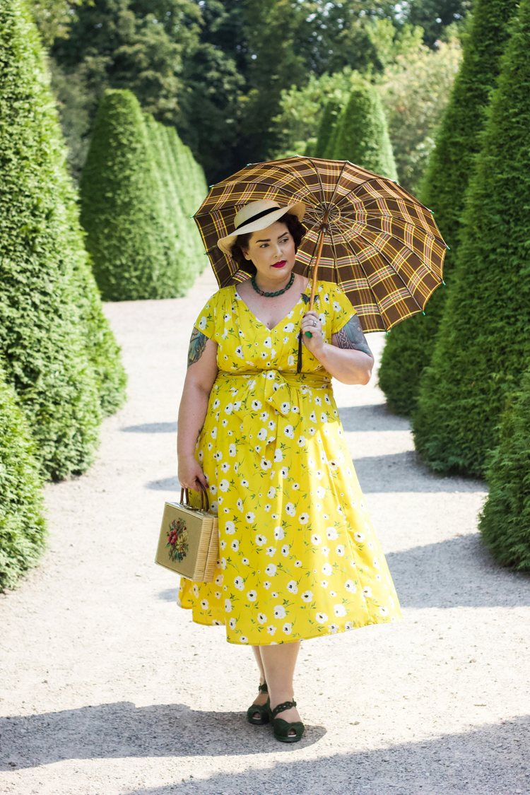 Parasols – Protection from Sun, Heat, and Curious Eyes